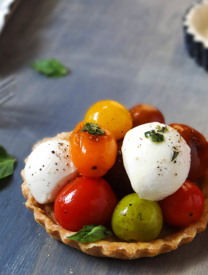 Roasted Tomatoes and Bocconcini Tart